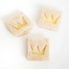 Cheese mini-sandwiches