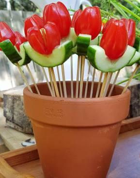 """Cherry tomato + cucumber """"TULIPS"""""""