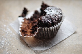 Allergen-free chocolate cupcakes