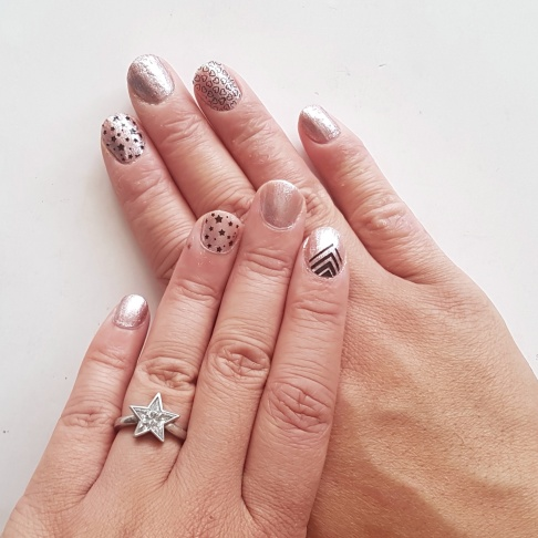Rose gold base colour from The Warehouse, accent nail wraps by Jamberry